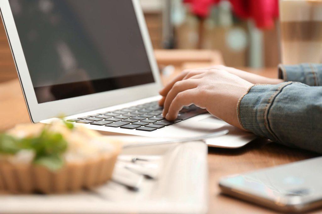 10 types of blogs that make money
